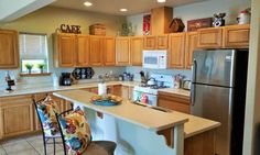A 3 bedroom, 2 level guest house in the heart of Bellingham, Washington! $175 per night (3 night minimum), $995 per week. Availability between Oct 12 - 31. This is a lovely, spacious townhouse that...