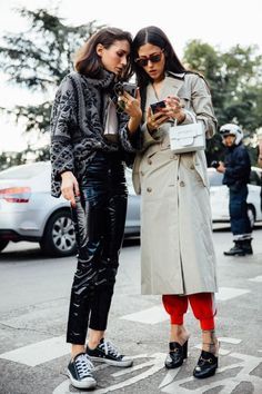 Street Style : Our Favorite Parisian Moments Street Style Chic, Autumn Street Style, Cool Street Fashion, Street Style Women, Fashion Week, Love Fashion, Winter Fashion, Style Fashion, Minimal Fashion