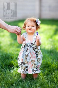 Just in case you didn't get enough of this cute little model  from my last post , I decided to post one more photo and a tutorial on how to ...