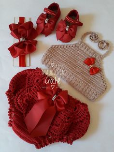 Feito a mão, linha Cléa Baby Tumblr, Christmas Crochet Patterns, Crochet Handbags, Crochet Baby Hats, Baby Dress, Crochet Bikini, Cute Babies, Doll Clothes, Clothes For Women