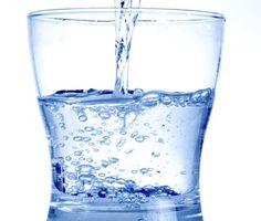 Pijte vodu nalačno! Vyléčí až 1 000 různých nemocí