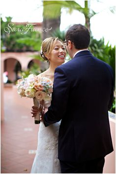 La Valencia Wedding ~SARA FRANCE PHOTOGRAPHY~ Bride and Groom. Just Married. Bouquet. Love. Happy.