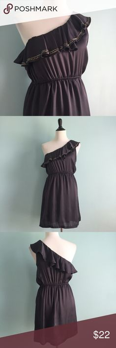 One Shoulder Beaded Dress Beautiful one shoulder grey-purple dress with ruffle on neckline. Silver beading on front ruffle and elastic waistband. Size medium by Wish. In excellent condition. Wish Dresses One Shoulder