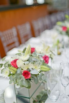 Wedding Table Flowers & Decor Photography: Inecke Photography Venue: Holden Manz Wine Estate
