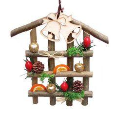 Házikó formájú karácsonyi ajtódísz