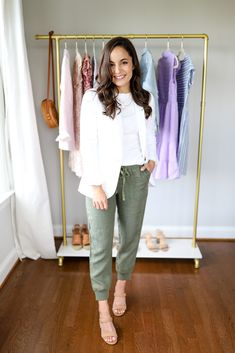 Four ways to wear joggers for petite women. Four joggers outfits for spring for petites. Petite joggers from Nordstrom styled by Brooke. Petite Outfits, Short Outfits, Spring Outfits, Casual Outfits, Petite Clothes, Casual Shorts, Casual Clothes, Jean Outfits, Petite Tops