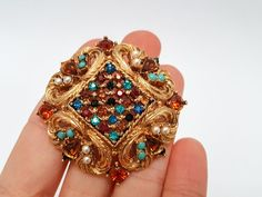 Classical Jewelry Gold Brooch Red Cross Red Green Black Baroque Art Deco
