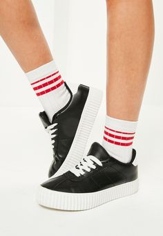 These white sports socks with contrasting red and blue stripes are perfect for helping you nail the laid back look!