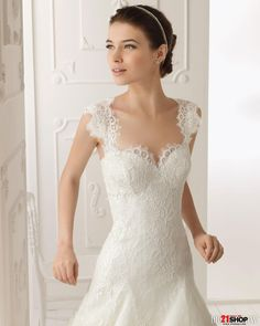 Elegant A-Line Sweetheart Flowers Lace Modest Wedding Dress with Removable Straps