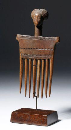 Early 20th C. Chokwe Wood Carved Comb - Female Head