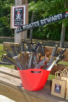 Amanda M's Birthday / Pirates - Photo Gallery at Catch My Party Pirate Birthday, Pirate Theme, Pirate Games, Pirate Party Decorations, Peter Pan Party, Party Fiesta, 4th Birthday Parties, 5th Birthday, Birthday Ideas