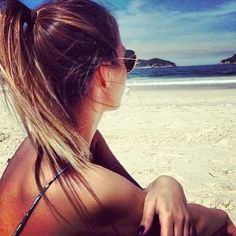 Hair | Hair I Like | Up Do | Ponytail | Holiday Snaps | Tan | Sunglasses | Ombre Hair