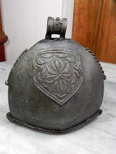 cow bells   ANTIQUE VINTAGE BRASS COW BELL (end 2/21/2016 2:46:00 PM MYT)