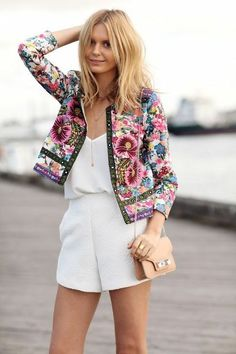 10 Cheerful Summer Outfits With Tropical Prints | Styleoholic