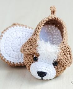 The Best Crochet Shoes For Kids - Diy Crafts - Marecipe Crochet Baby Sandals, Crochet Baby Boots, Knit Baby Booties, Booties Crochet, Crochet Baby Clothes, Crochet Shoes, Crochet Slippers, Knit Crochet, Crochet Crafts