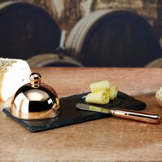 This stunning Copper Artesà 3 Piece Butter Cloche & Knife Serving Set with slate platter is the perfect entertaining companion. Fabulous slate tableware in a stylish gift box. Butter Knife, Copper Kitchen, Kitchen Gifts, Knife Making, Kitchen Gadgets, Cleaning Wipes, Ceramics, Amp, Tableware
