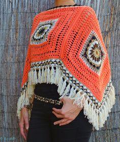 Feito à mão em crochet com fio de algodão, viscose e acrílico.  Preto, cru, taupe, dourado e salmão