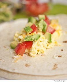 On-the-Go Breakfast Recipe: Tortilla Wrap rico mi desayuno de hoy Breakfast Wraps, Breakfast Time, Breakfast For Kids, Best Breakfast, Breakfast Recipes, Snack Recipes, Cooking Recipes, Breakfast Ideas, Breakfast Tortilla