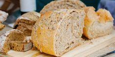 Koolhydraatarm Brood | slechts 4,8 gr koolhydraten per plakje [+video] Hoe, Crackers, Low Carb, Keto, Food, Salad, Pretzels, Biscuit