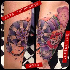 https://www.facebook.com/VorssaInk, http://tattoosbykata.blogspot.fi, #tattoo #tatuointi #katapuupponen #vorssaink #forssa #finland #traditionaltattoo #hairdryer #pinup #oldschool