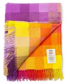 "Cozy Up! Beautiful Throw Blankets for Your ""Sofa-Scape"""