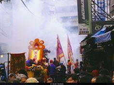 Next-level stuff. Crazy loud and bright. #Taipei #Taiwan #Adobe #adobelightroom #instagoodmyphoto @justgoshoot #peoplescreatives @thevisualscollective @passionpassport #worldtravelbook #ThePolarizer #scooter #street #streetphotography #fireworks #newyear #chinesenewyear