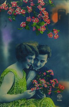 vintage everyday: 30 Fantastic French Romantic Postcards in the and early Vintage Couples, Romantic Couples, Vintage Girls, Vintage Love, Vintage Colors, Picture Postcards, Vintage Postcards, French Postcards, Vintage Pictures