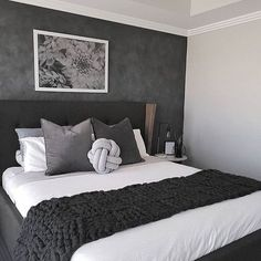 35 Inspiring Black and White Master Bedroom Color Ideas Black and white bedroom designs; bedroom ideas for couples. 35 Inspiring Black and White Master Bedroom Color Ideas White Master Bedroom, Modern Room, Simple Bedroom, Modern Bedroom, Stylish Bedroom, Master Bedroom Colors, Couple Bedroom, Luxurious Bedrooms, White Bedroom Decor