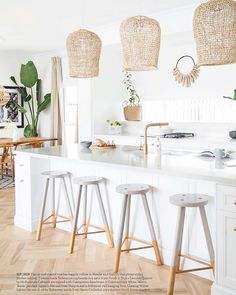 Uniqwa's hand woven Bindu Pendants adding a costal touch to this Hampton's style kitchen featured in 🍃 at the beautiful beach house of Australian Interior Stylist Nat Winter Decor, House Design, Interior, Beach House Interior, House Styles, Home Decor, House Interior, Australian Interior Design, Kitchen Styling