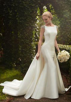 Style 843, Martina Liana sleek wedding dress #weddingdress