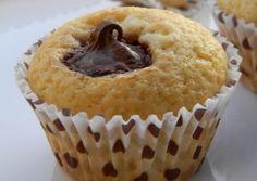 MUFFINS CU NUTELLA – reteta de baza Nutella, Muffin Recipes, Cake Recipes, Romanian Desserts, Muffins, Homemade Sweets, Us Foods, Cupcake Cakes, Cupcakes