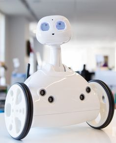 Forget about robot friends. Robit wants to be your robot servant Future Technology Trends, Cool Technology, Tech Gadgets, Cool Gadgets, Programmable Robot, Real Robots, Futuristic Robot, Geek Toys, Robotics Projects