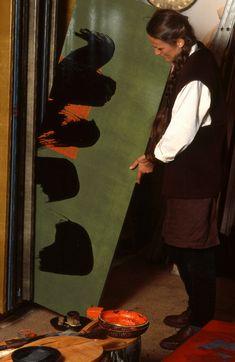 Fabienne Verdier - Contemporary Artist - L'Art de la Calligraphie Monumentale - In her studio.