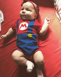 It's me Mario Hello!!!  . #supermario #babymario #sarah #videogame #body #amordopapai #amordopapaiedamamae .