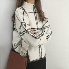 2019 ins inverno nova camisola feminina pullovers moda xadrez gola alta solta malha manga completa coreano casual topos Casual Sweaters, Casual Tops, Sweaters For Women, Pullover Mode, Pullover Sweaters, Sweaters Knitted, Women's Sweaters, Knitted Coat, Sweater Fashion
