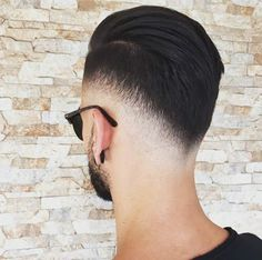 The best haircuts for men are constantly changing. And with so many new fresh men's hairstyles in it can be hard to decide which cuts. Cool Hairstyles For Men, Hairstyles Haircuts, Haircuts For Men, Haircut Men, Hair And Beard Styles, Short Hair Styles, Men Hair Cuts, Gents Hair Style, Barber Haircuts