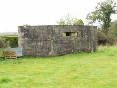 WW2 Pillbox - Craigavon - Northern Ireland. This casemate is of type FW3/26. During World War II, these bunkers were used for the defense of the United Kingdom against a possible enemy invasion. They were built in 1940 and into 1941.