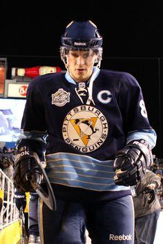 Sidney Crosby Photos Photos: 2011 NHL Bridgestone Winter Classic - Washington Capitals v Pittsburgh Penguins Pittsburgh Sports, Pittsburgh Penguins Hockey, Usa Hockey, Hockey Rules, Pens Hockey, Bae, Lets Go Pens, Canadian Men, Sidney Crosby