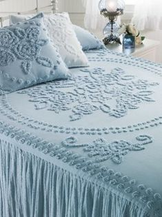 Tufted Chenille bedspread with lightweight cotton for warmer seasons and climates. This Chenille bedspread is lightweight, yet supremely soft and comes with a built-in ribbed cotton bed skirt. Vintage Bedspread, Chenille Bedspread, White Cottage, Cottage Style, Photo Bleu, Bleu Pastel, Linens And Lace, Linen Bedding, Bed Linen