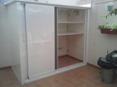 Outdoor Laundry Rooms, Outdoor Spaces, Aluminum Kitchen Cabinets, Ideas Terraza, Laundry Doors, Laundry Room Design, Kitchen And Bath, Bathroom Medicine Cabinet, Tall Cabinet Storage