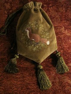 a little pouch of fox magic. By Medieval Muse Embroidery Art, Embroidery Patterns, Medieval Embroidery, Medieval Costume, Medieval Witch, Medicine Bag, Moda Boho, Medieval Clothing, Purses And Bags