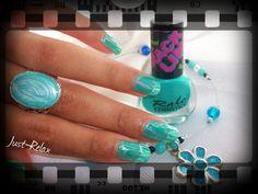 Green crackling nail polish from Ralo cosmetics.