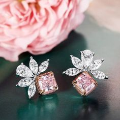 💕 How sweet are these fancy pink diamond earrings by Thomas de Montegriffo ? 💕 With of pink diamonds and… Pink Diamond Earrings, Gold Earrings, Emerald Diamond, Halo Diamond, Diamond Rings, Diamond Stud, Simple Earrings, Star Earrings, Emerald Cut