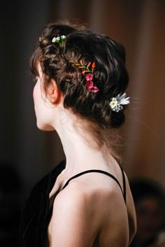 A detailed look at Valentino Spring 2015 Couture