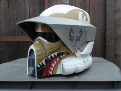 Dave Filonis Bad Ass ARF trooper helmet! Follow Dave on Facebook to see more. #clonewars #starwars Clone Trooper Helmet, Star Wars Helmet, Star Wars Rpg, Star Wars Fan Art, Star Wars Ships, Star Wars Clone Wars, Star Wars Pictures, Star Wars Images, Spider Men