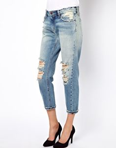 Discover the latest fashion trends with ASOS. Shop the new collection of clothing, footwear, accessories, beauty products and more. Order today from ASOS. Joes Jeans, Distressed Jeans, Boyfriend Jeans, Latest Clothes, Fashion Looks, Stylists, Online Shopping, Asos, How To Wear