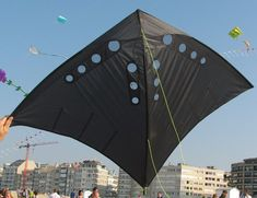 Vented Ginga by Christophe Kites For Kids, Diy For Kids, Kite Building, Kite Store, Kite Designs, Kite Making, 3d Art Drawing, Go Fly A Kite, Surf