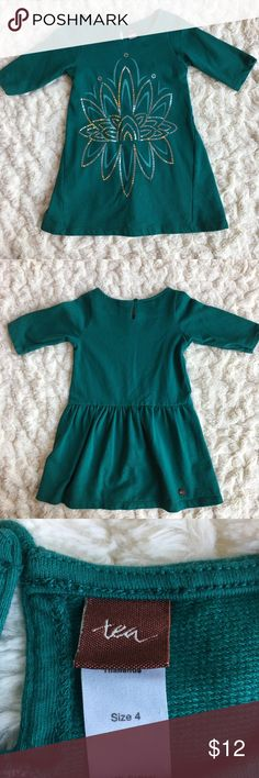 Tea collection 4t dress 100% cotton dress with silver design on front in good condition, very pretty holiday green color Tea Collection Dresses