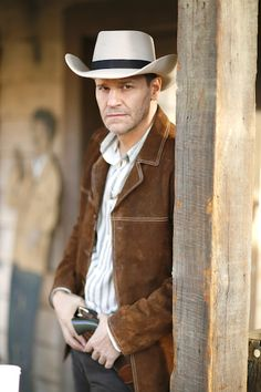 BuddyTV Slideshow | 'Bones' Winter Finale Photos: Booth and Brennan Go Undercover at an Old West Style Shooting Competition