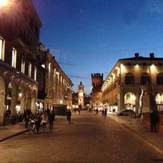La sera cala e Ferrara risplende - Instagram by hotelannunziata